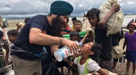 Sikh helping Rohingya refugees