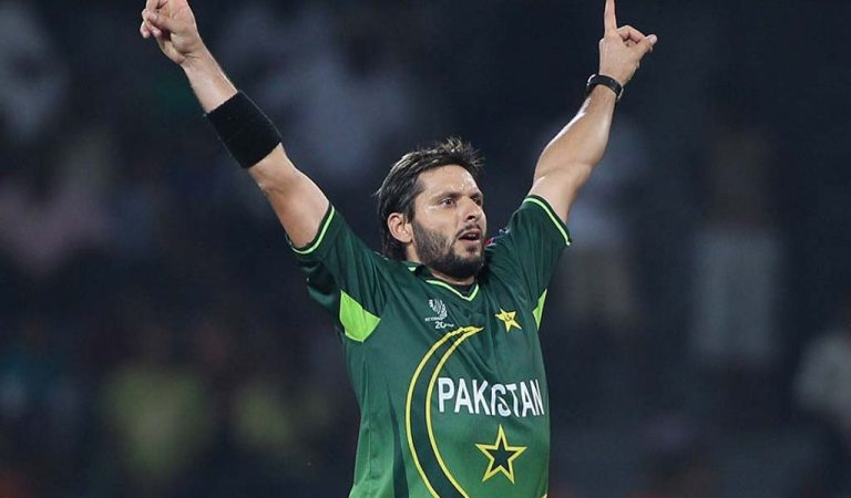 When Shahid Afridi Became The Lion Tamer