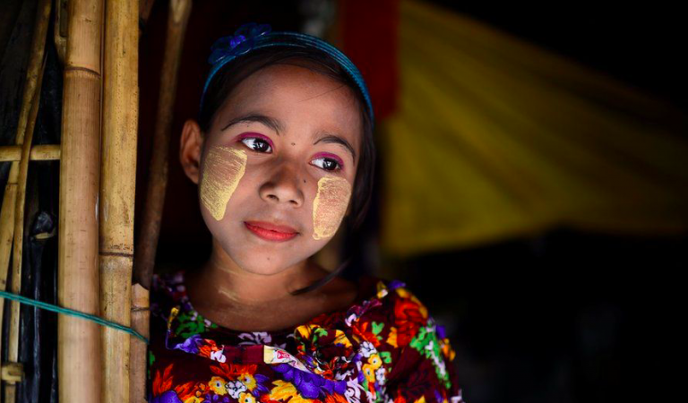 A Little Makeup Brings Smiles To The Lives Of These Rohingya Refugees