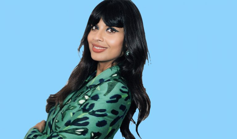 "Jameela Jamil Joins Women of Color Unite To Fight ""Sizeism"" In Glamour Industry"