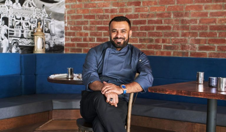 "Pakistani-American Chef Imran ""Ali"" Mookhi Is Giving Out Free Hot Meals In Cali"